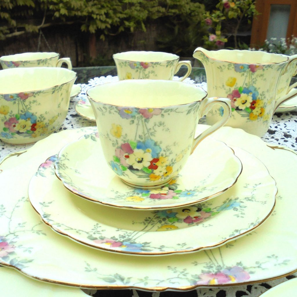 Wickstead's-1930s-Crown-Staffordshire-Hand-Painted-English-China-Tea-Set-(4)