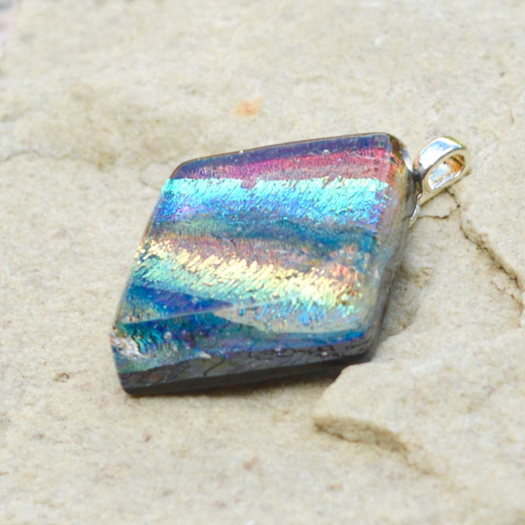 Wickstead's-AW-Designs-UK-Iridescent-Mixed-Colour-Diamond-Dichroic-Glass-Pendant-(4)