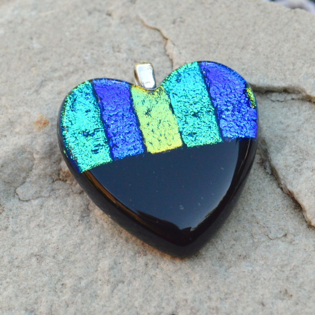Wickstead's-AW-Designs-UK-Ocean-Blue-Metallic-Heart-Dichroic-Glass-Pendant-(2)