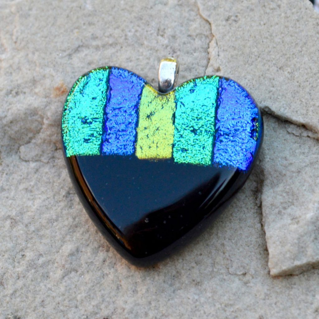 Wickstead's-AW-Designs-UK-Ocean-Blue-Metallic-Heart-Dichroic-Glass-Pendant-(3)