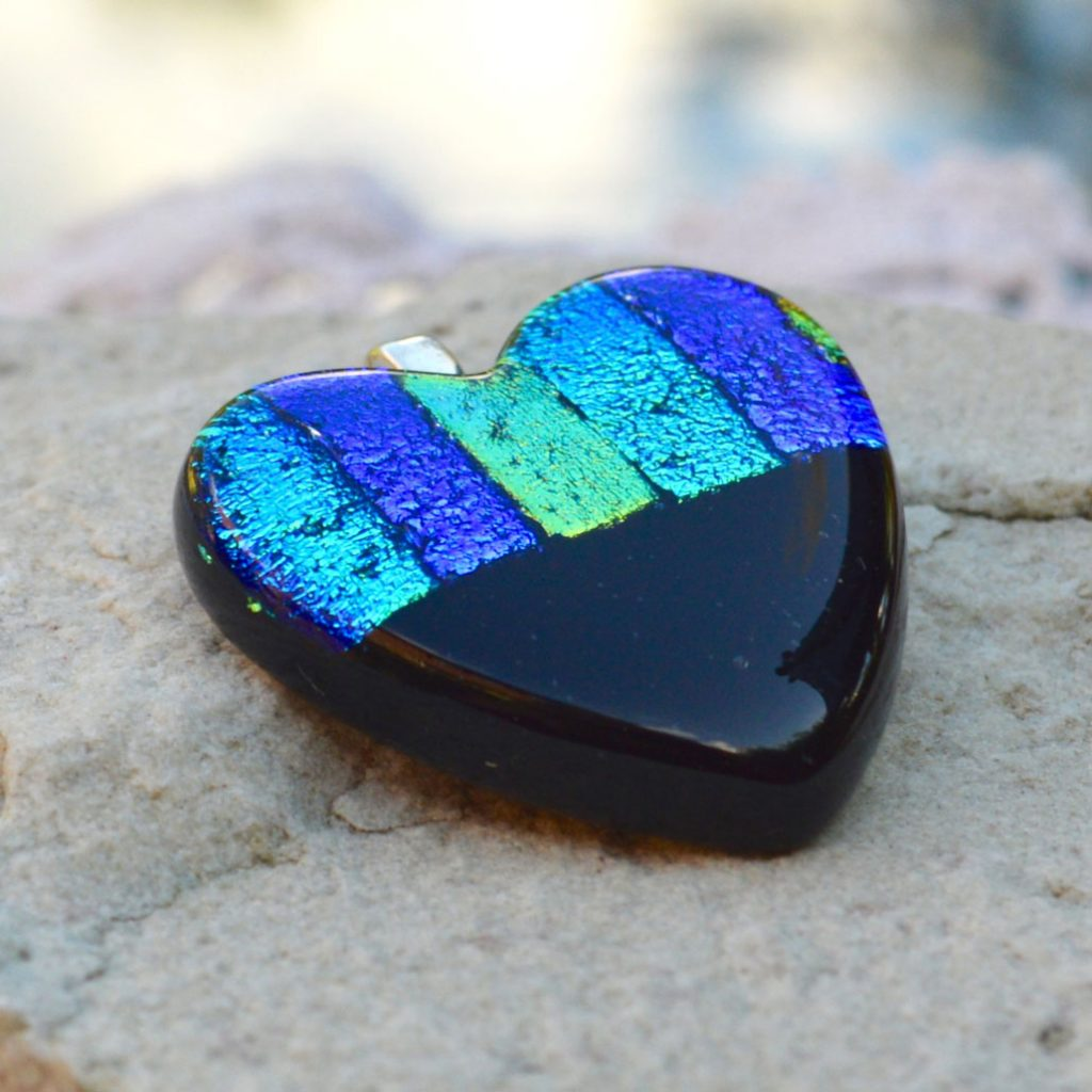 Wickstead's-AW-Designs-UK-Ocean-Blue-Metallic-Heart-Dichroic-Glass-Pendant-(4)
