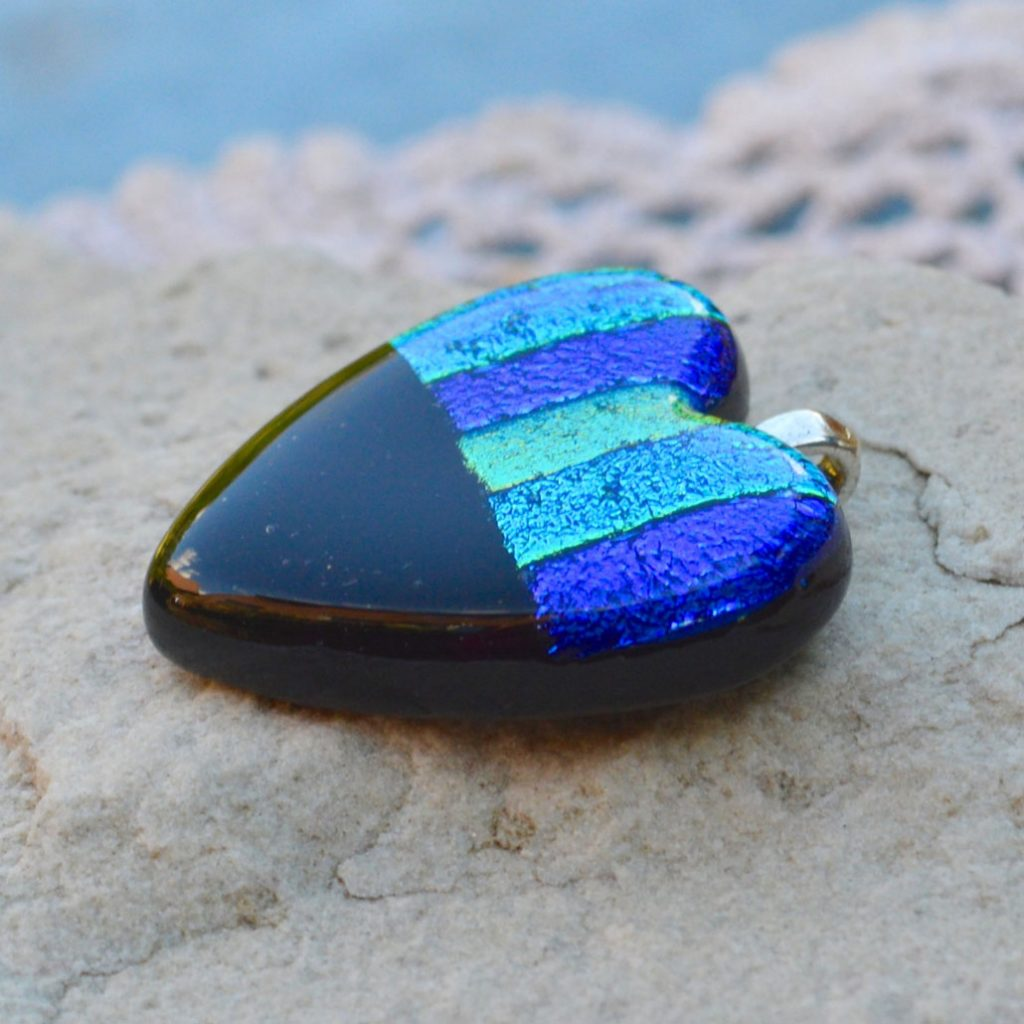 Wickstead's-AW-Designs-UK-Ocean-Blue-Metallic-Heart-Dichroic-Glass-Pendant-(5)