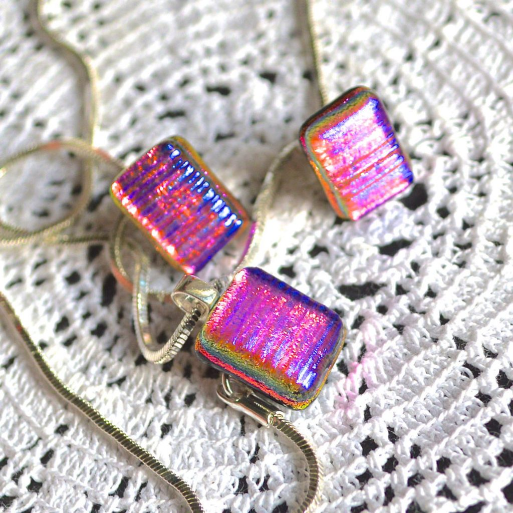 Wickstead's-AWDesignsUK-Cerise-Purple-Pink-Gold-&-Green-Dichroic-Glass-Stud-Earrings-&-Pendant-Necklace-Jewellery-Set-(1)