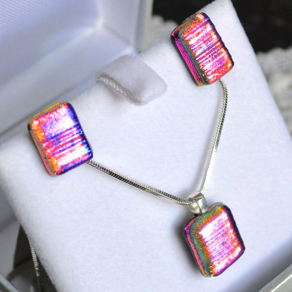 Wickstead's-AWDesignsUK-Cerise-Purple-Pink-Gold-&-Green-Dichroic-Glass-Stud-Earrings-&-Pendant-Necklace-Jewellery-Set-(3)