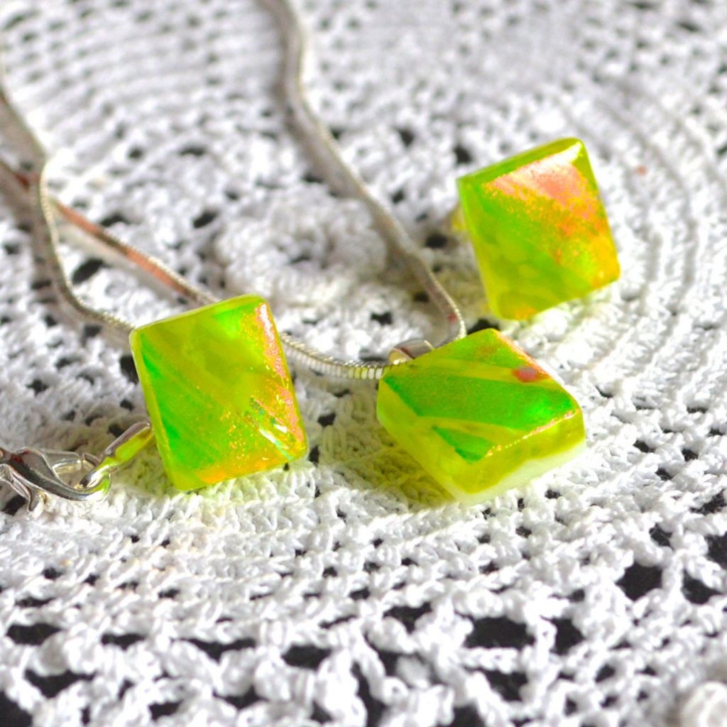 Wickstead's-AWDesignsUK-Lime-Green-&-Orange-Dichroic-Glass-Stud-Earrings-&-Pendant-Necklace-Jewellery-Set (1)