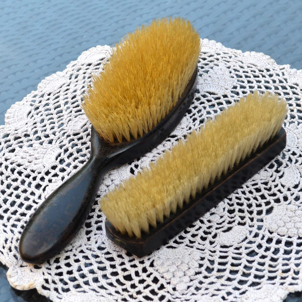Wickstead's-Antique-Grooming-Ebony-Wood-Brushes-with-Silver-W-Initial-Detail-(4)
