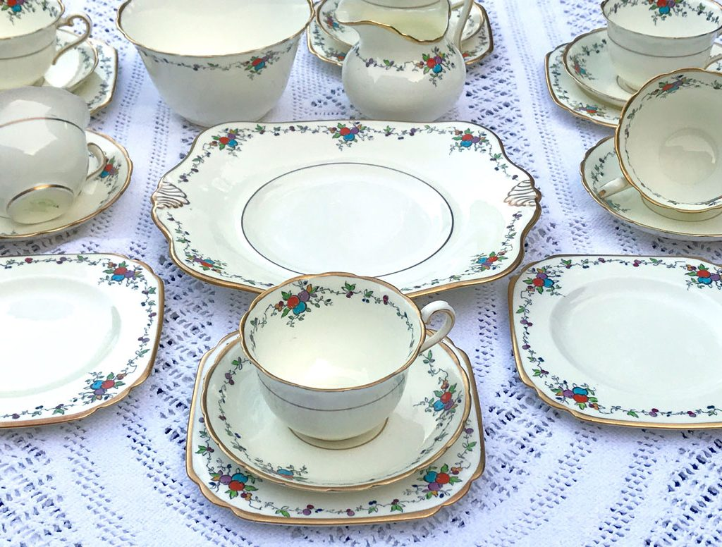 Wickstead's-Art-Deco-English-Tuscan-China-Tea-Set-(6)