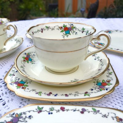 Wickstead's-Art-Deco-English-Tuscan-China-Tea-Set-(7)