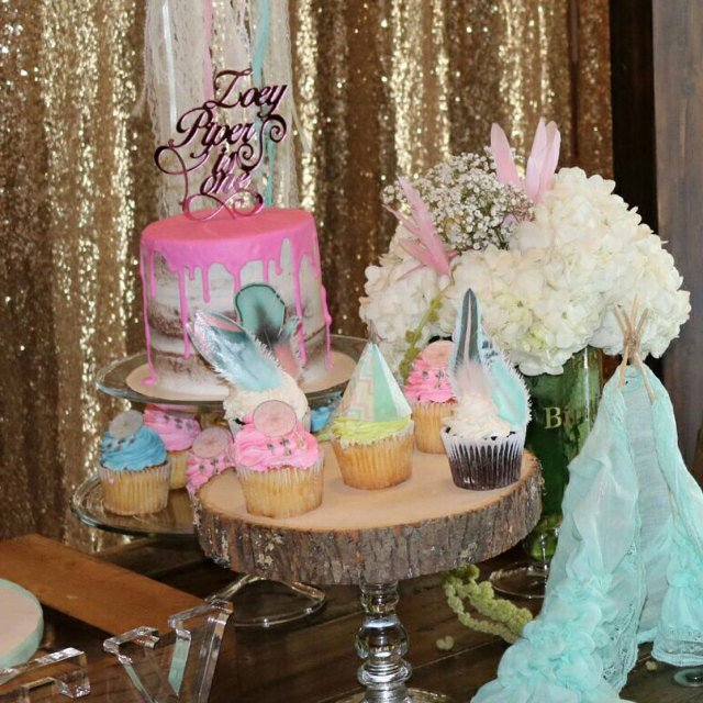 Wickstead's-Customer-Photo-of-our-Cotton-Candy-Feathers,-Dreamcatchers-and-Pastel-Tribal-Teepee's-on-Birthday-Cupcakes-and-Cake