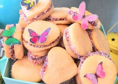 Wickstead's-Eat-Me-Customer-Photo-of-our-Edible-3D-Mini-Multicoloured-Butterflies-(2)
