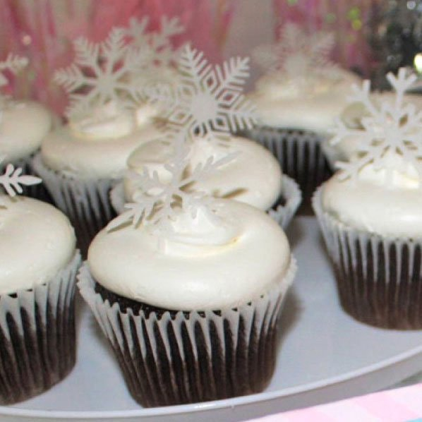 Wickstead's-Eat-Me-Customer's-Photos-White-Medium-Snowflakes-on-Chocolate-Cupcakes