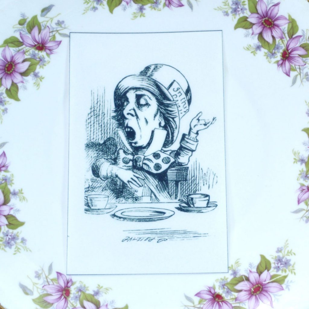 Wickstead's-Eat-Me-Edible-Black-&-White-Alice-in-Wonderland-Illustrations-Mad-Hatter