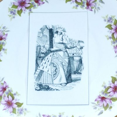 Wickstead's-Eat-Me-Edible-Black-&-White-Alice-in-Wonderland-Illustrations-Queen-of-Hearts