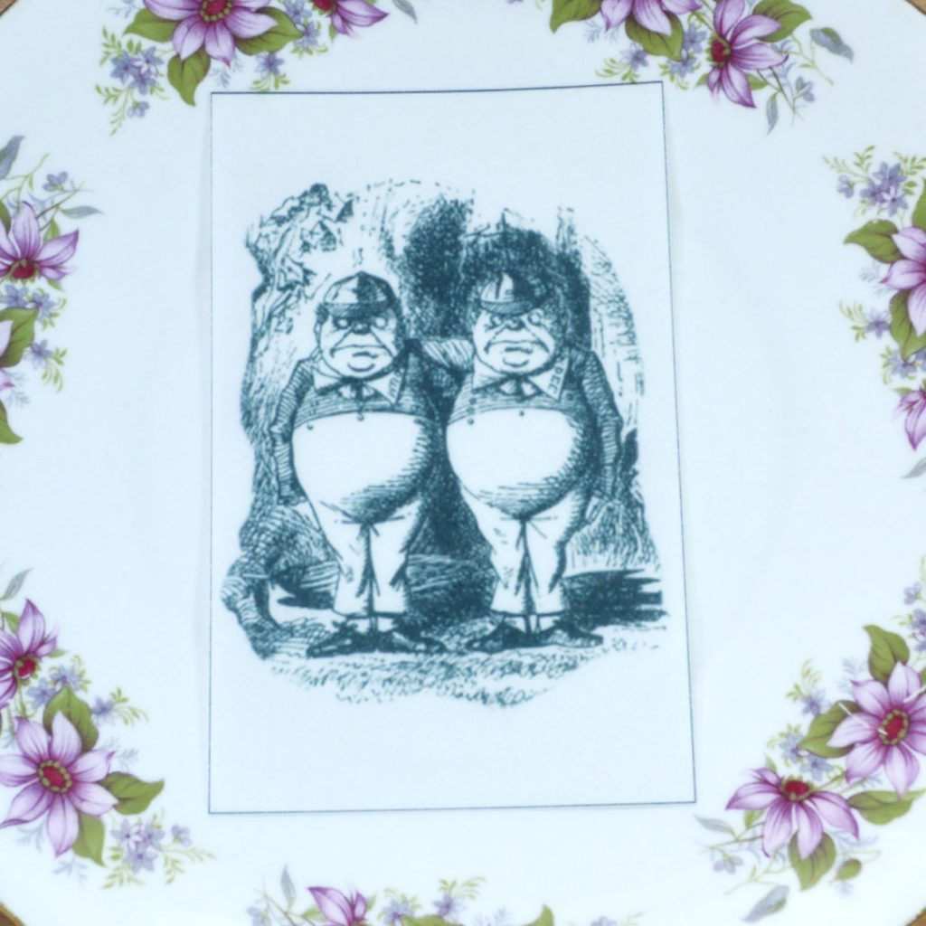 Wickstead's-Eat-Me-Edible-Black-&-White-Alice-in-Wonderland-Illustrations-Tweedle-Dee-&-Dum