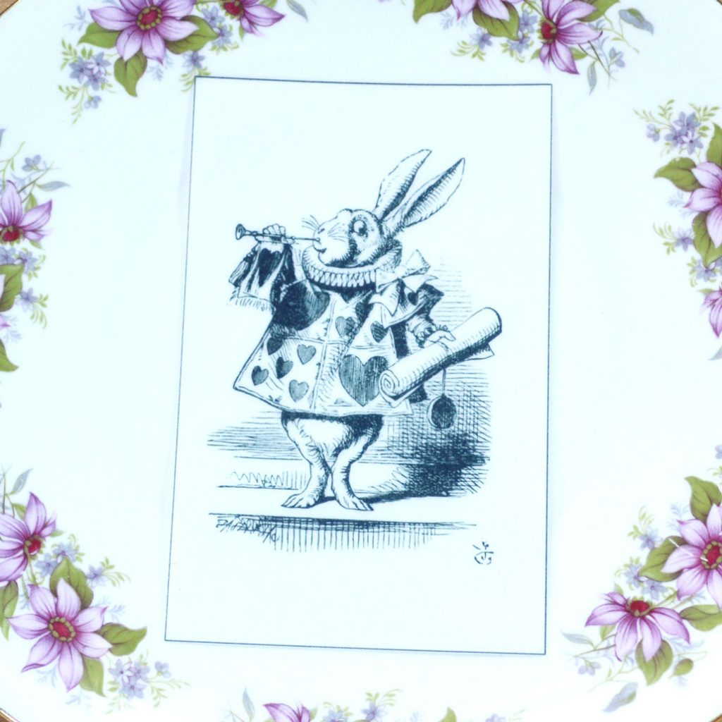 Wickstead's-Eat-Me-Edible-Black-&-White-Alice-in-Wonderland-Illustrations-White-Rabbit