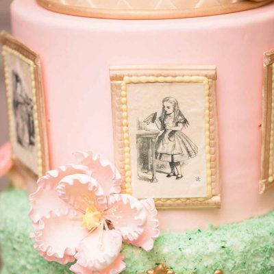 Wickstead's-Eat-Me-Edible-Black-&-White-Alice-in-Wonderland-Illustrations-x-8-(1)
