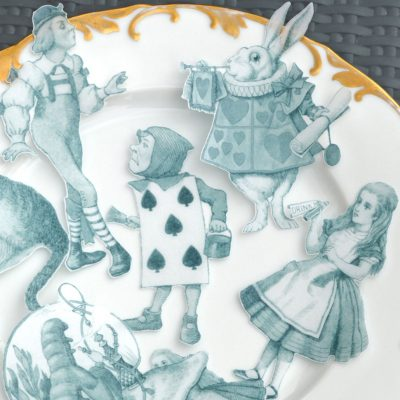 Wickstead's-Eat-Me-Edible-Images-Alice-in-Wonderland-Wafer-Paper-Black-White-Figures-XLarge-(5)