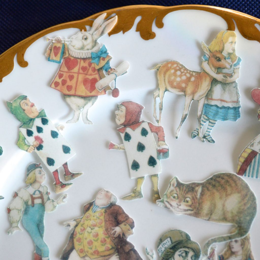 Wickstead's-Eat-Me-Edible-Images-Alice-in-Wonderland-Wafer-Rice-Paper-Figures-Small-(2)