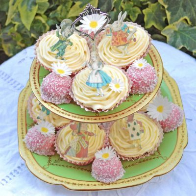Wickstead's-Eat-Me-Edible-Images-Alice-in-Wonderland-Wafer-Rice-Paper-Figures-Small-(3)
