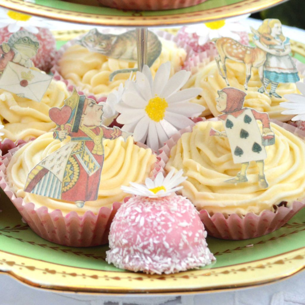 Wickstead's-Eat-Me-Edible-Images-Alice-in-Wonderland-Wafer-Rice-Paper-Figures-Small-(5)