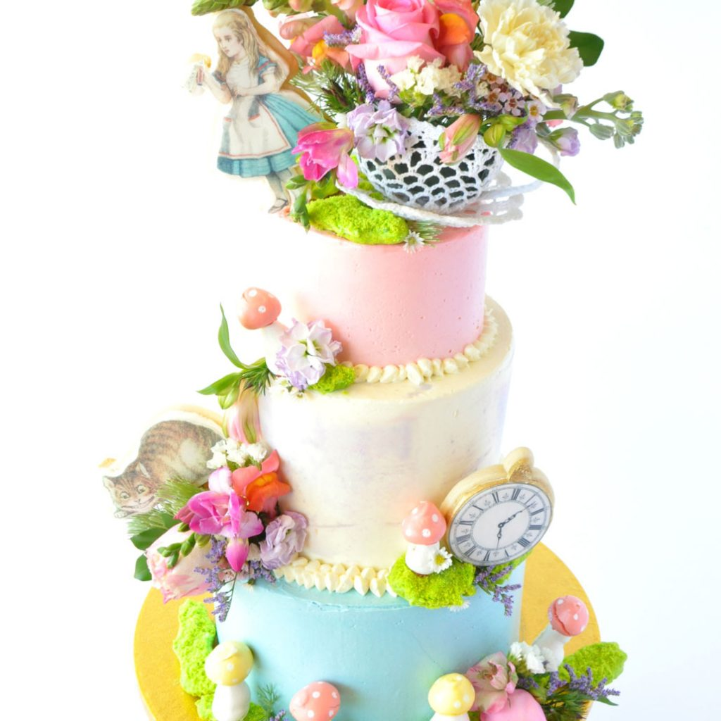 Wickstead's-Eat-Me-Edible-Images-Alice-in-Wonderland-Wafer-Rice-Paper-Figures-XLarge-(4)
