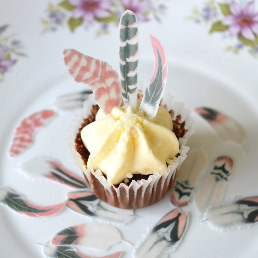 Wickstead's-Eat-Me-Edible-Wafer-Rice-Paper-Boho-Feathers-from-our-Pink-Sherbet-Collection-on-Minature-Cupcake(2)