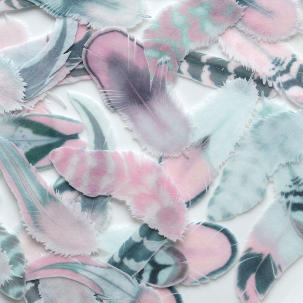 Wickstead's-Eat-Me-Edible-Wafer-Rice-Paper-Boho-Feathers-from-our-Silver-Tea-Rose-Collection-(1)