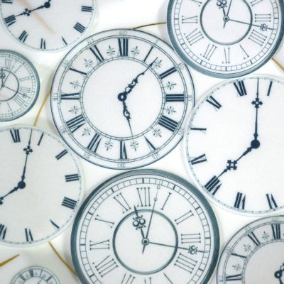 Wickstead's-Eat-Me-Edible-Wafer-Rice-Paper-Clock-Faces-(1)