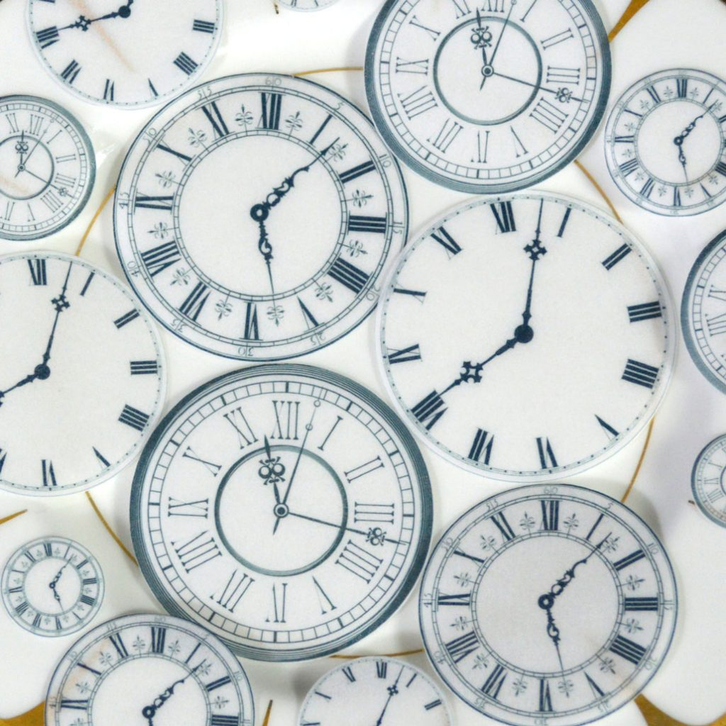 Wickstead's-Eat-Me-Edible-Wafer-Rice-Paper-Clock-Faces-(4)
