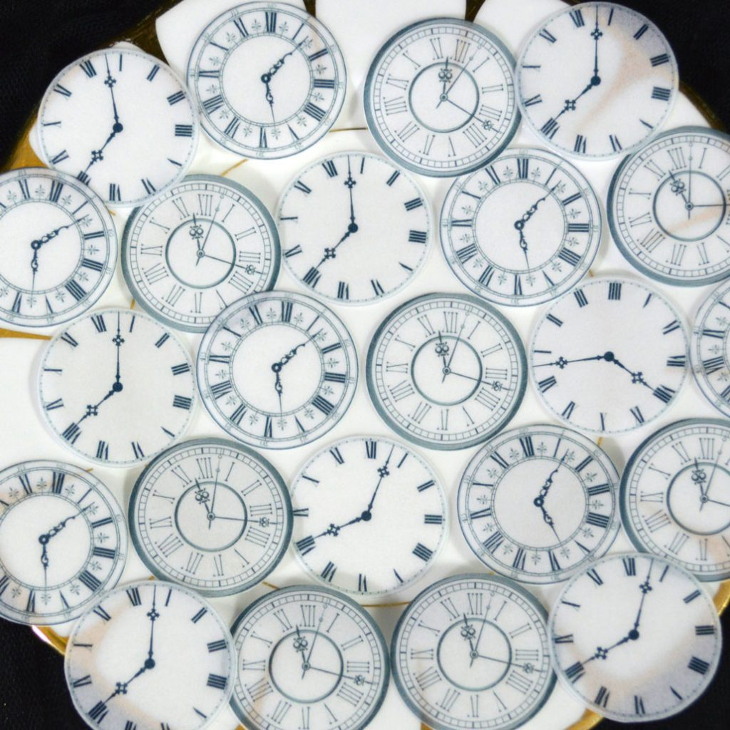 Wickstead's-Eat-Me-Edible-Wafer-Rice-Paper-Clock-Faces-(5)