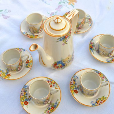 Wickstead's-Hampton-Ivory-Olde-English-Garden-China-Coffee-Can-Set-(1)