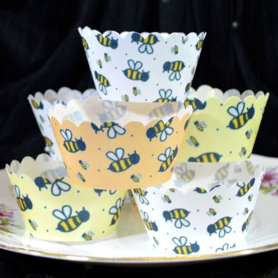 Wickstead's-Eat-Me-100%-Edible-Cupcake-Wrappers-Bumble-Bee-Chintz-(1)