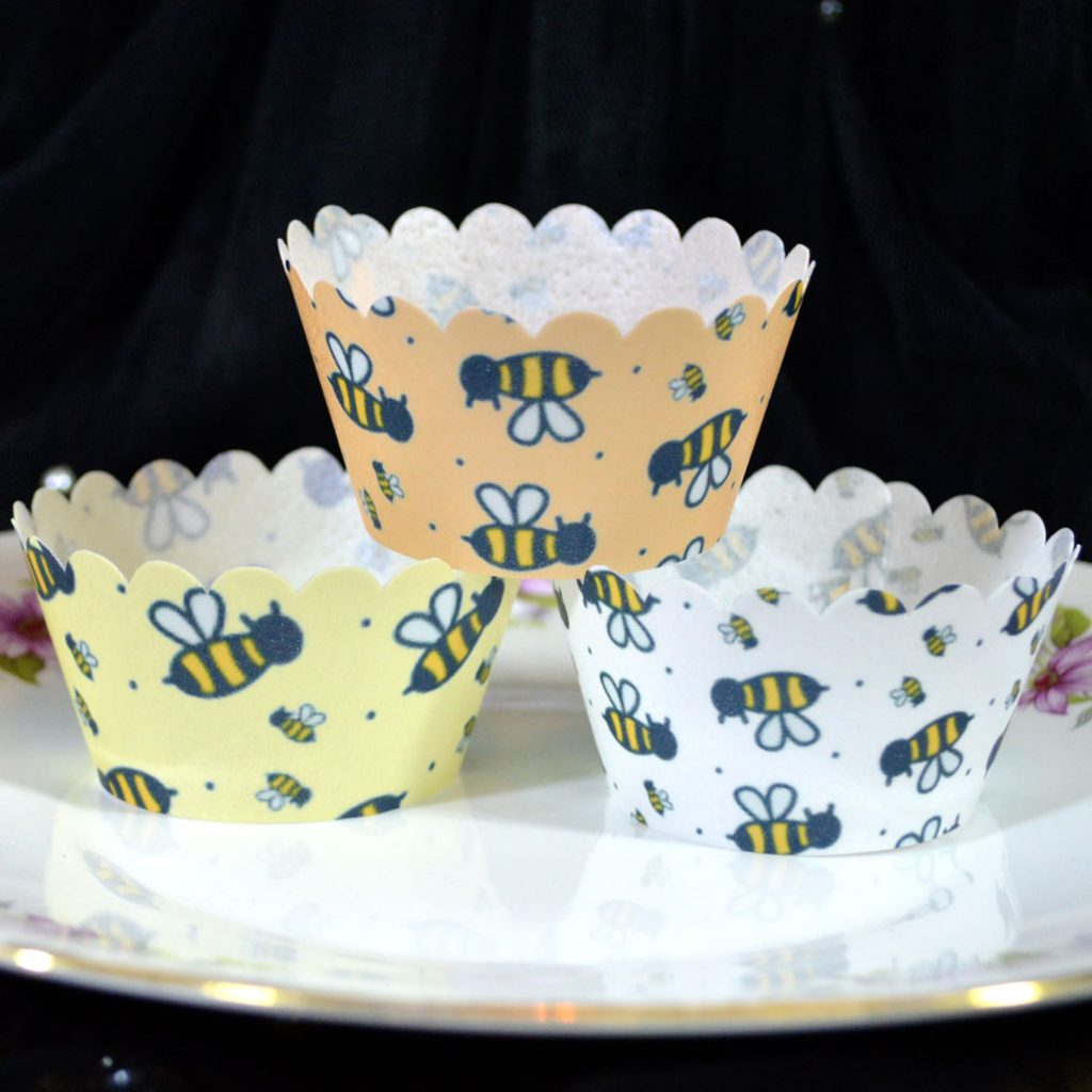 Wickstead's-Eat-Me-100%-Edible-Cupcake-Wrappers-Bumble-Bee-Chintz-(2)