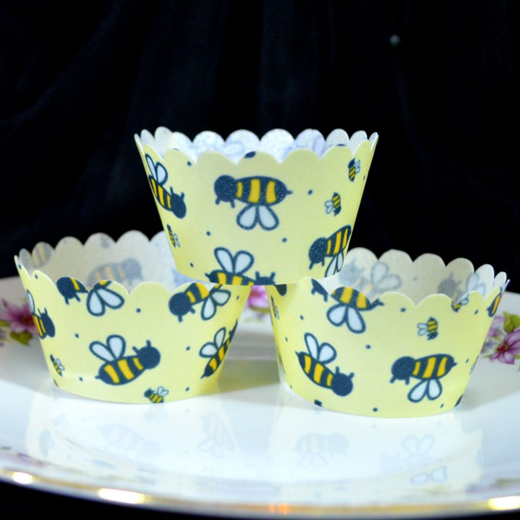 Wickstead's-Eat-Me-100%-Edible-Cupcake-Wrappers-Bumble-Bee-Chintz-(5)