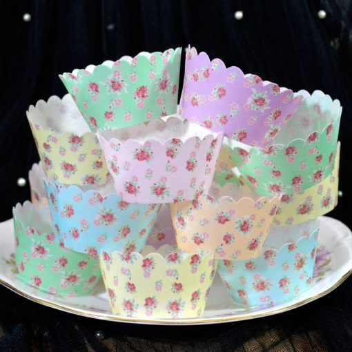 Wickstead's-Eat-Me-100%-Edible-Cupcake-Wrappers-Floral-Rose-Chintz-(1)