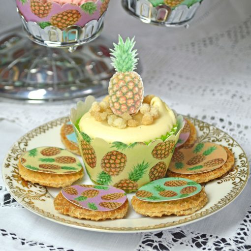 Wickstead's-Eat-Me-100%-Edible-Cupcake-Wrappers-Tropical-Pineapple-Fruit-Chintz-(3)
