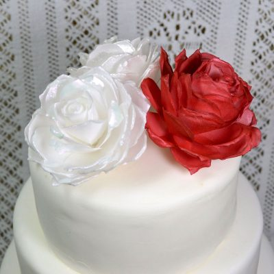 Wickstead's-Eat-Me-Edible-3D-Roses-Red,-White-&-Pink-Iridescent-Sugar-Free-Vanilla-Wafer-Rice-Paper-1