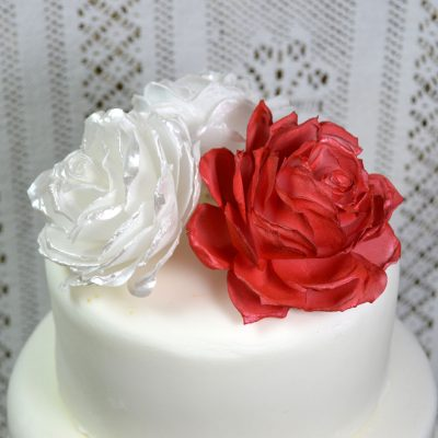 Wickstead's-Eat-Me-Edible-3D-Roses-Red,-White-&-Pink-Iridescent-Sugar-Free-Vanilla-Wafer-Rice-Paper