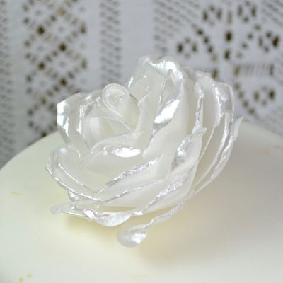 Wickstead's-Eat-Me-Edible-3D-Roses-Sugar-Free-Vanilla-Wafer-Rice-Paper-White-Pearl-2