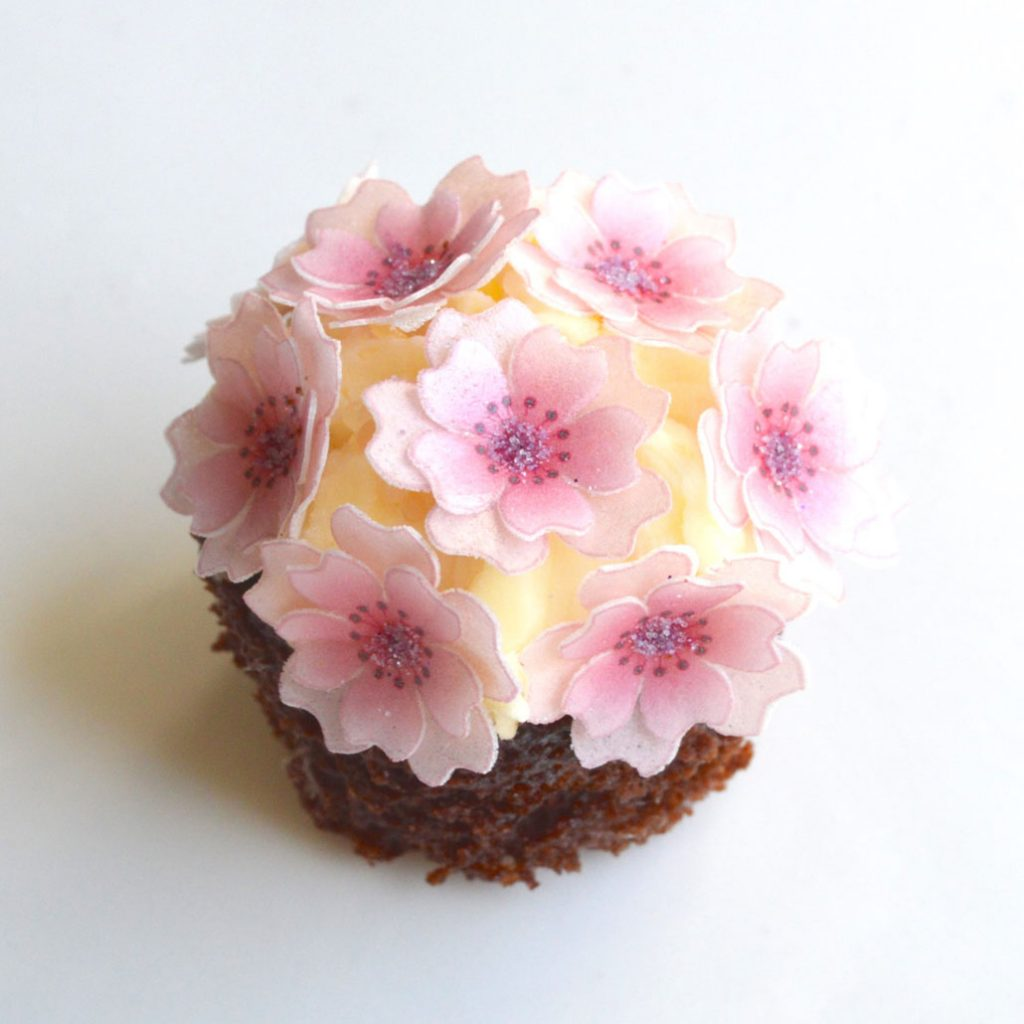 Wickstead's-Eat-Me-Edible-Sugar-Free-Vanilla-Wafer-Rice-Paper-3D-Cherry-Blossom-Soft-Rose-Pink-Flowers-(6)