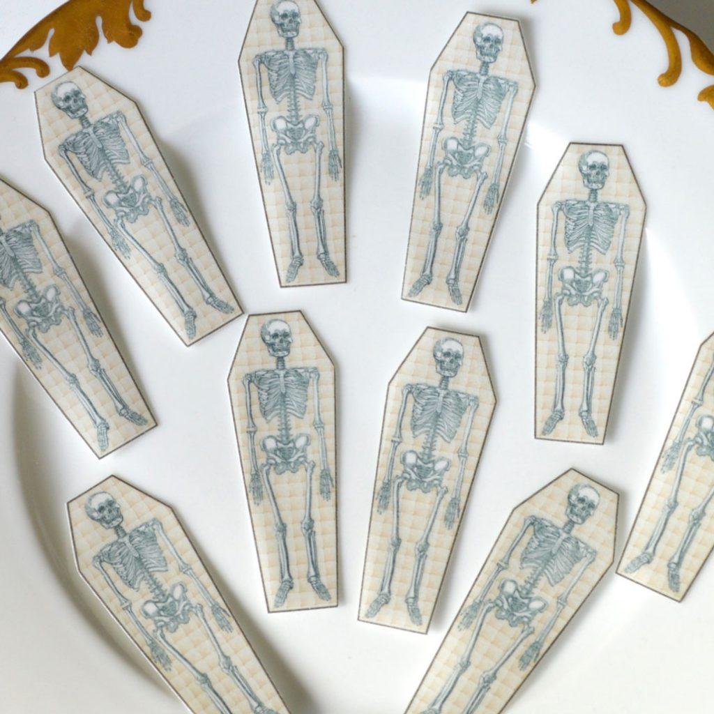 Wickstead's-Eat-Me-Edible-Sugar-Free-Vanilla-Wafer-Rice-Paper-Bone-Skeleton-Coffin-(2)