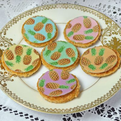 Wickstead's-Eat-Me-Edible-Sugar-Free-Vanilla-Wafer-Rice-Paper-Pineapple-Chintz-Circles-(1)