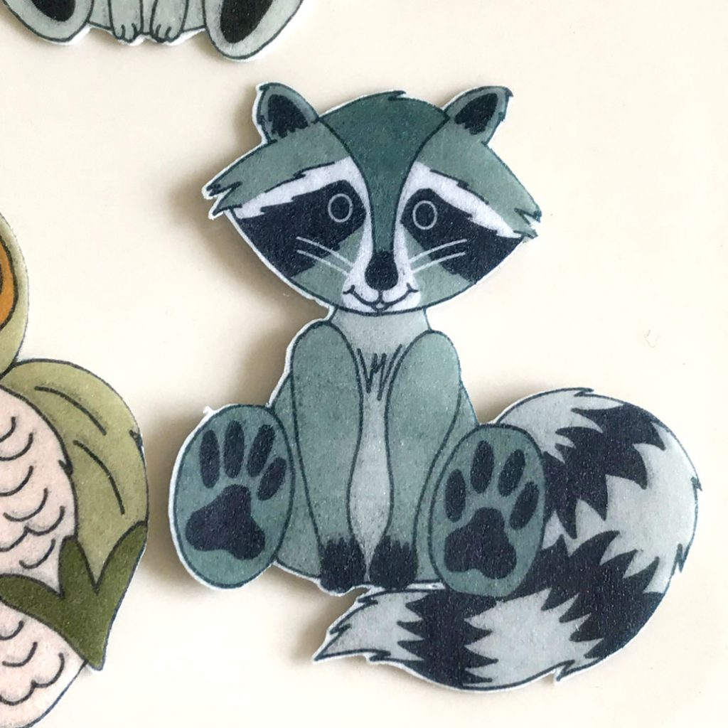Wickstead's-Eat-Me-Edible-Wafer-Rice-Paper-Cute-Woodland-Animals-Raccoon