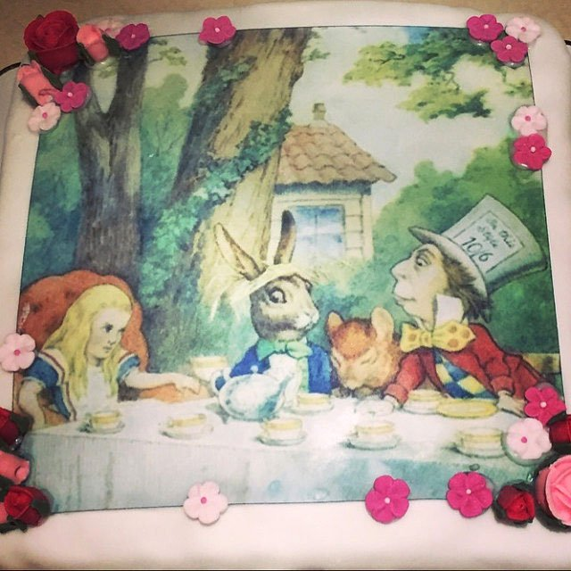 Wickstead's-Eat-Me-Edibles-Customer-Photo-of-Custom-Sized-Alice-in-Wonderland-Design
