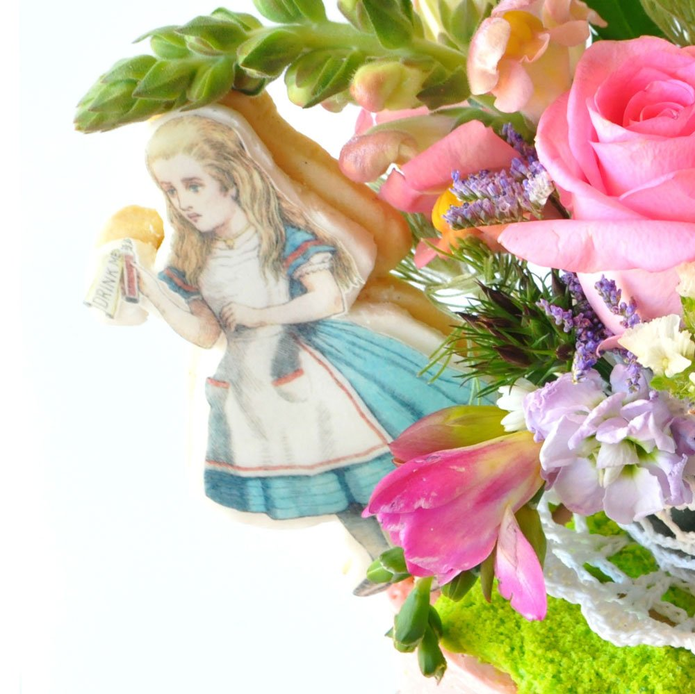 Wickstead's-Eat-Me-Edibles-Customer-Photo-of-our-Alice-Large-Figures-&-Clocks-(8)
