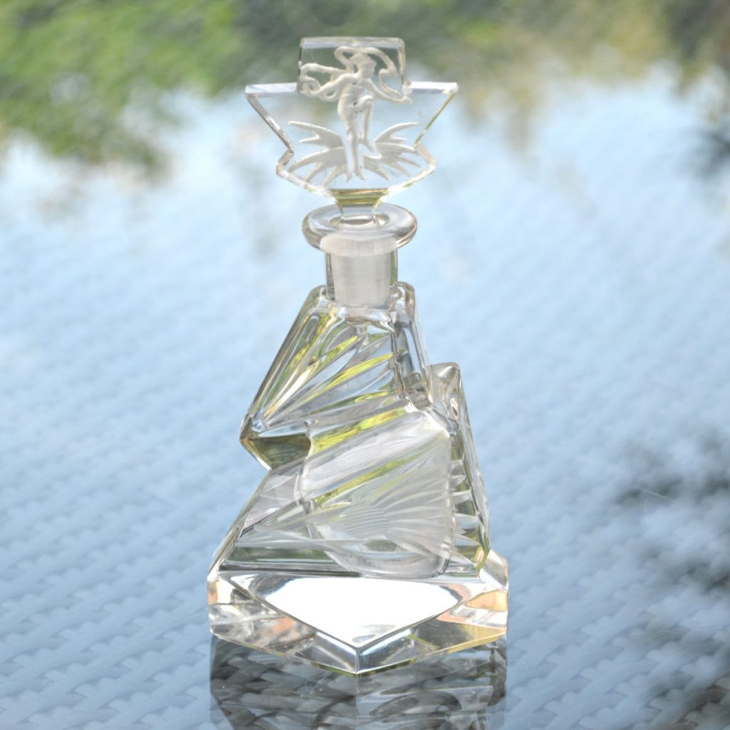Wickstead's-Home-&-Living-Art-Deco-Clear-Crystal-Perfume-Bottle-Intaglio-Etched-Flowers-and-Figure-(2)