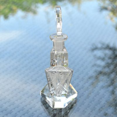 Wickstead's-Home-&-Living-Art-Deco-Clear-Crystal-Perfume-Bottle-Intaglio-Etched-Flowers-and-Figure-(3)