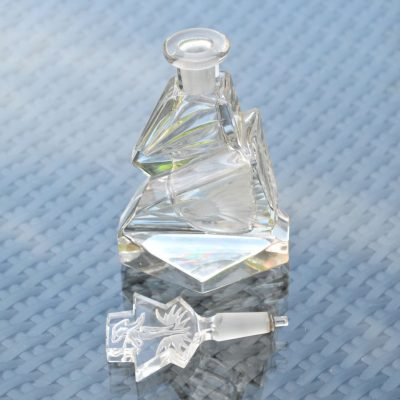 Wickstead's-Home-&-Living-Art-Deco-Clear-Crystal-Perfume-Bottle-Intaglio-Etched-Flowers-and-Figure-(5)