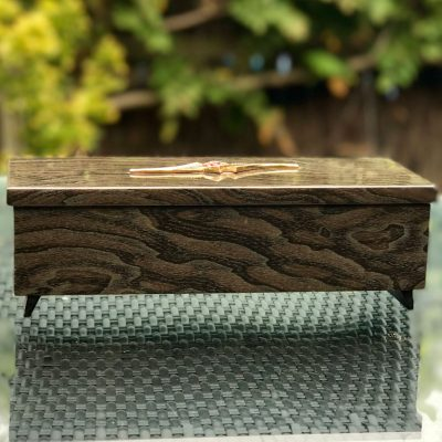 Wickstead's-Home-&-Living-Musical-Jeweled-Jewellery-Box-High-Gloss-Lacquered-Wood-Grain-Pattern-(8)