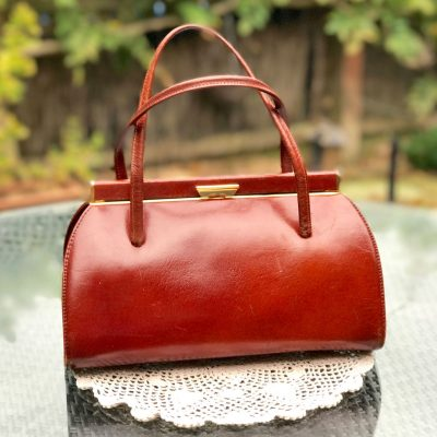 Wickstead's-Home-&-Living-Tan-Leather-Handbag-1950s-1960s-Classic-Snap-Top-Kelly-Bag-for-The-Mad-Men-Look-(6)